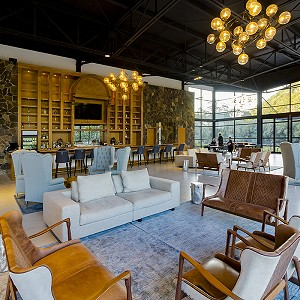lobby-bar-sierra-lago-resort_7