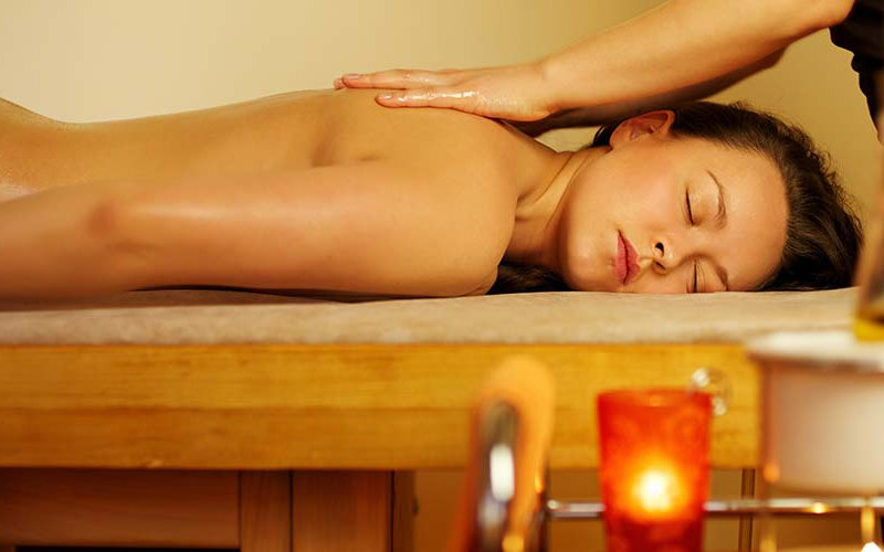 Relaxing Holistic Massage
